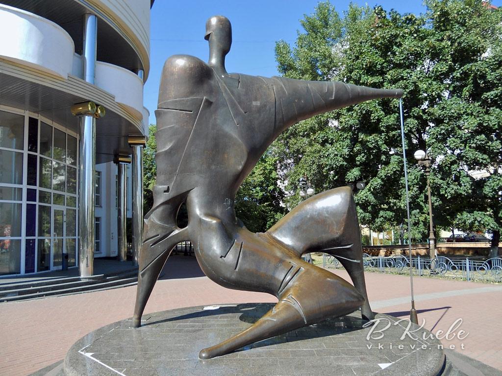 Памятник строителю на Оболони