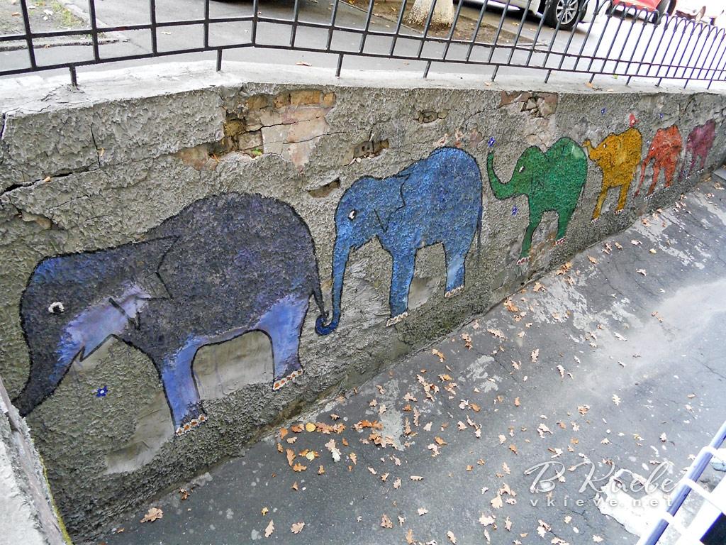 Семь слонов на Лютеранской