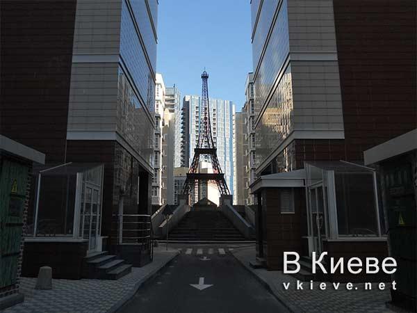 Эйфелева башня в Киеве