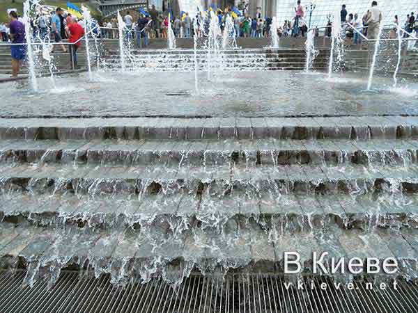 Каскадный фонтан на Майдане Незалежности