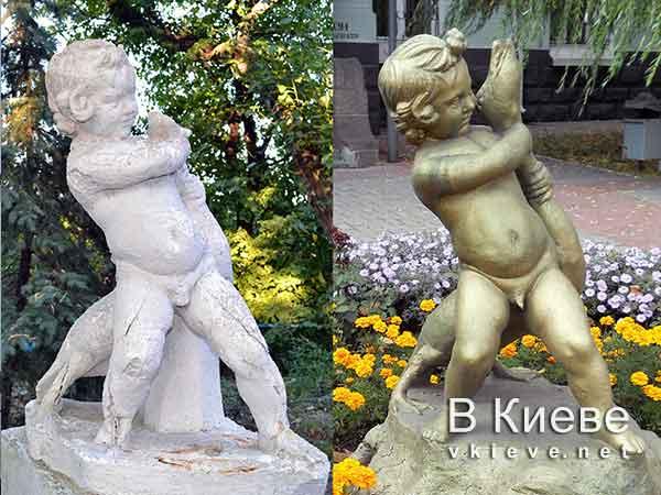 Памятники-близнецы мальчику с гусем