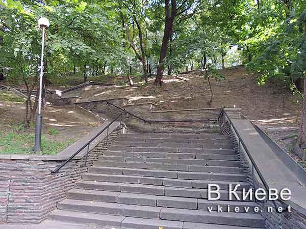 Кирилловская церковь в Киеве. Ступени
