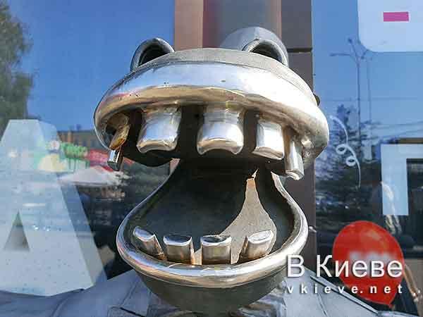 Конь в пальто в Киеве
