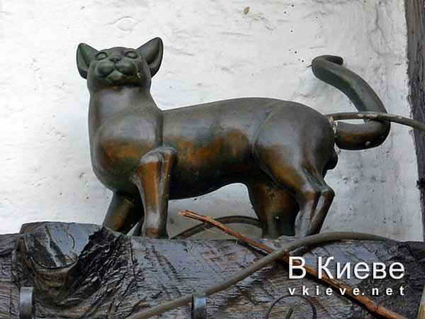 Памятники котам