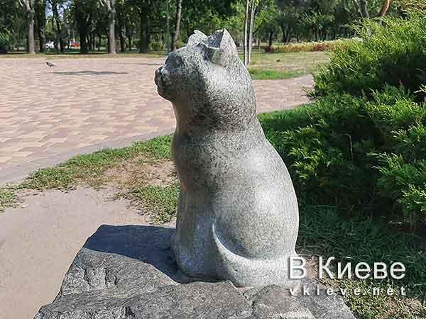 Памятник коту Тяпе в Киеве