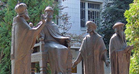 Князь Владимир Великий выбирает веру