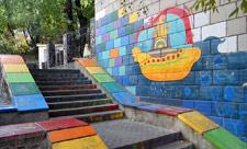 Лестница-радуга на Крещатике
