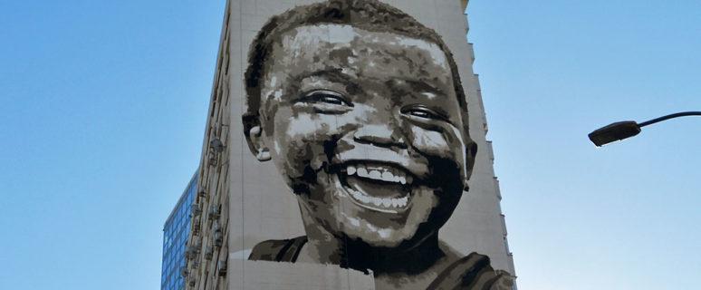 Мурал «Простое счастье» на улице Казимира Малевича