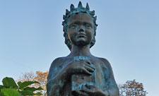 Памятник Анне Ярославне – королеве Франции