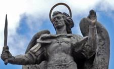 Памятник Архангелу Михаилу на Оболони