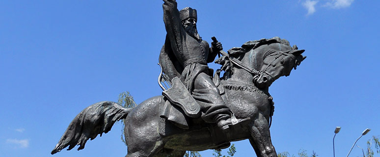 Памятник-гетману-Петру-Сагайдачному
