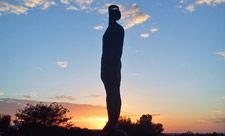 skulptura-dozhd-na-pejzazhnoj-allee-01